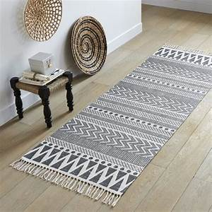 ou trouver un tapis graphique black and white With tapis couloir avec canapé house doctor