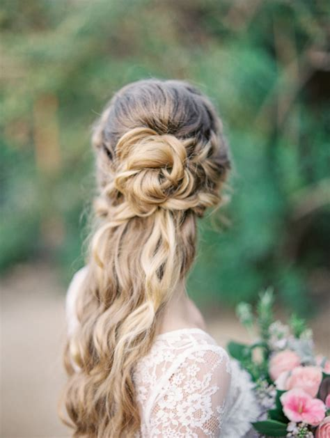 stunning     wedding hairstyles weddingsonline