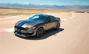 2018 Ford Mustang Shelby GT350 / GT350R   In-Depth Model Review   Car and Driver