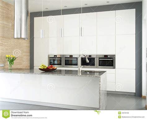 cuisine blanche mur idee mur cuisine idee cuisine design img16 modle de