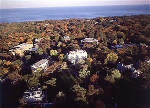 College University: Lake Forest College University