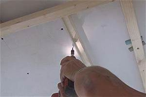 Decke Abhängen Anleitung Holz : gipskartonplatten verlegen tipps tricks vom maurer trockenbau ~ Frokenaadalensverden.com Haus und Dekorationen