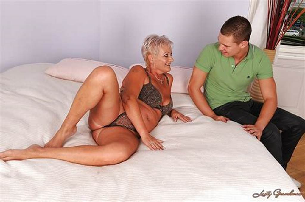 #Mature #Blonde #Hottie #Sucking #On #A #Big #Cock #And #Having #Wild