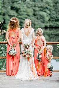 Kleid Koralle Hochzeit : hochzeitsdeko in koralle und apricot ~ Orissabook.com Haus und Dekorationen