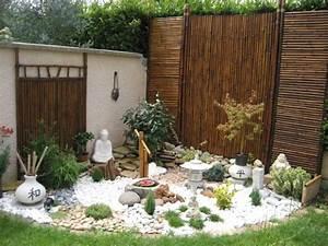 decoration idee jardin avec cailloux With idee de deco de jardin