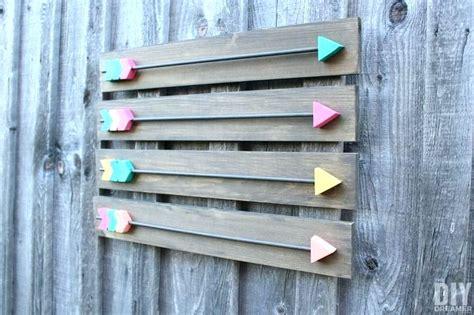 Stratton Home Decor Sunburst Mirror Wall Décor Reviews: Plank Wall Decor Wooden Plank Wall Wooden Pallet Wall