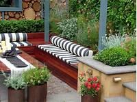 interesting small patio design ideas pictures Choisir un beau matelas pour banquette - idées déco en 45 photos