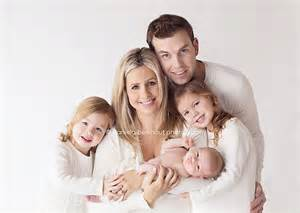 family photographer 25 best ideas about studio family portraits on