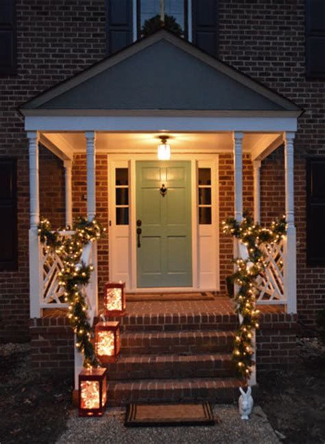 outdoor holiday decorating  easy   hang window