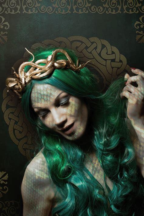 Medusa Snakes Crown Snakes Queen - fantasy, gorgon, snake ...