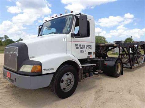2000 volvo tractor for sale volvo 2000 daycab semi trucks