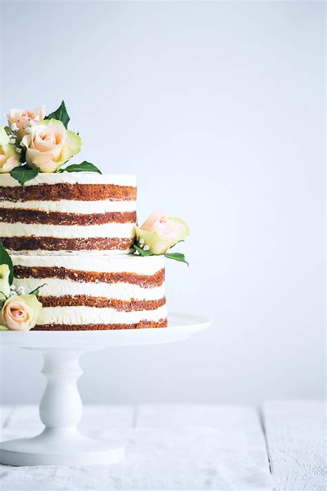 Simple Wedding Cake Inspiration From Omaha Lace Cleaners
