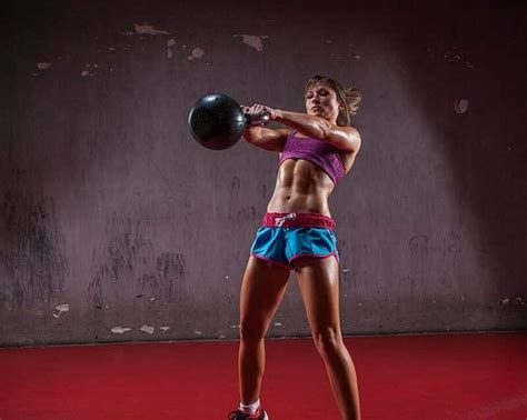 kettlebell swing benefits swings kettlebells exercise exercises common muscles russian mistakes try most swinging performing must workout calories weight form