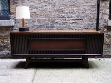 mid century stereo retro hifi used to look this lovely isn 39 t it a v