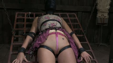 Chubby Brunette Slut Gets Her Pussy Stimulated With Electrical Shock