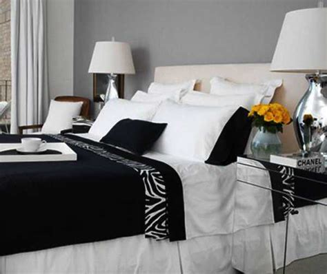Zebra Bedroom Decorating Ideas by Zebra Prints And Decoration Patterns Personalizing Modern