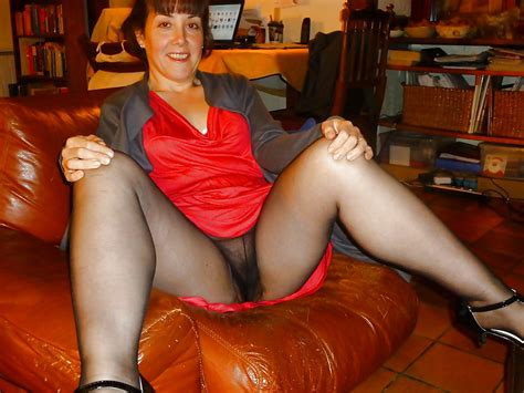 Taking A Look Up Grannies Skirt 20 Pics