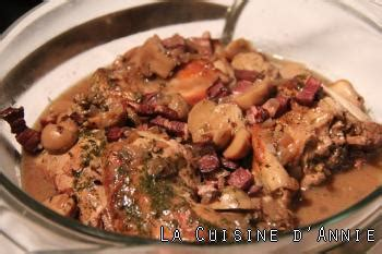 cuisiner un lapin au vin blanc recette civet de lapin ou de lièvre la cuisine familiale