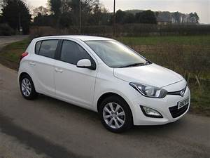 Hyundai I20 Blanche : hyundai i20 1 1 crdi road test proves frugality of three cylinders ~ Gottalentnigeria.com Avis de Voitures