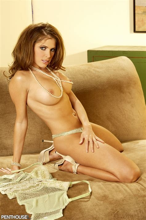 Erika Jordan Pearl Necklace