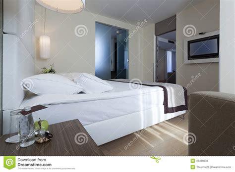 chambre d h es de luxe intérieur d 39 une chambre à coucher d 39 hôtel de luxe avec la