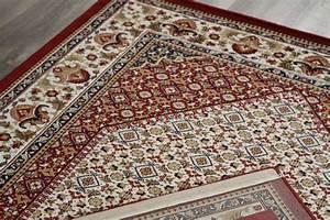 tapis style d39orient rouge a motif geometrique en With tapis oriental avec canapé dax