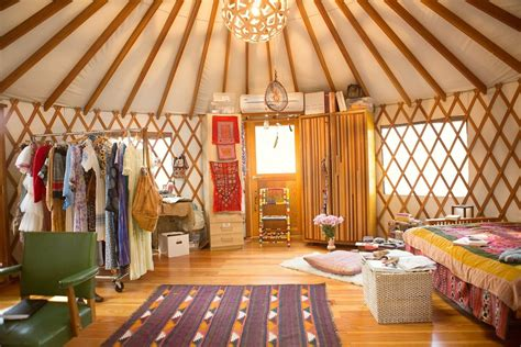 The Yurt Of .... Erin Tavin And Nathan Stein