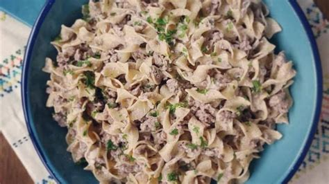 You need ground beef, egg noodles, sour cream, cream of mushroom soup. 10 Best Ground Beef Stroganoff Cream of Mushroom Soup Recipes