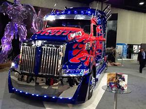 More Images Of Optimus Prime From MATS 2014 - Transformers ...