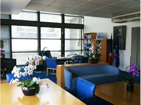 bureau photographe les clichés d 39 un photographe pour écorer le bureau de la ministre fleur pellerin maisonapart