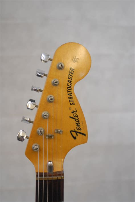 fender stratocaster sunburst  rosewood neck