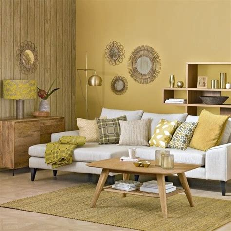 Decorating Ideas Yellow Walls Living Room by Best 25 Yellow Living Rooms Ideas On Yellow