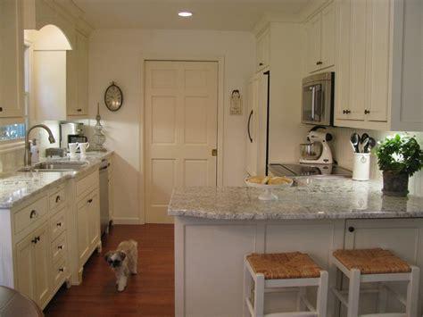 white galaxy granite on the countertops kitchen