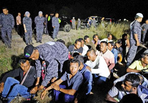 malaysia condemned for migrant workers crackdown