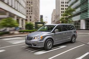 Town Country : review 2014 chrysler town country limited celebrating 30 years of minivan the fast lane car ~ Frokenaadalensverden.com Haus und Dekorationen