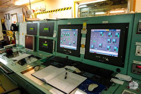 cargo atlantique jour 8 visite de la salle des machines grandvoyageur fr
