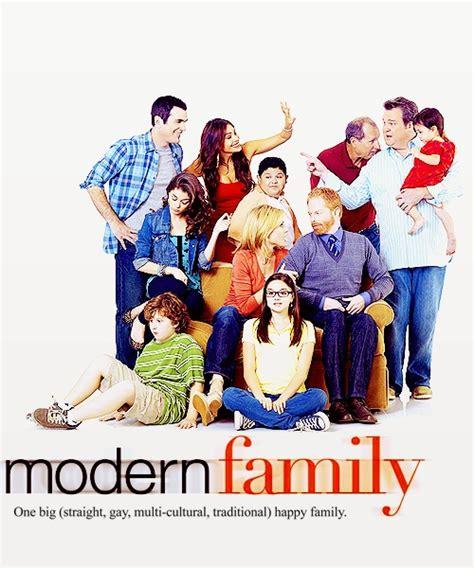 best modern family episodes 17 best ideas about modern family gloria on modern family modern family