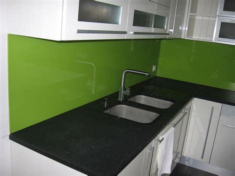 cuisine mur vert cuisine mur vert pomme dootdadoo com idées de