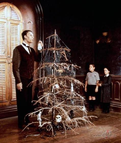 Adamsu ģimene (The Addams Family) | Filmas oHo.lv