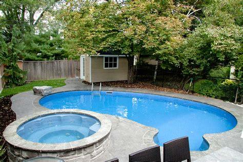 Useful Swimming Pool Maintenance Tips During The Falljones