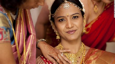 Indian Wedding : What Does Every Indian Wedding Need? Gold (and Lots Of It