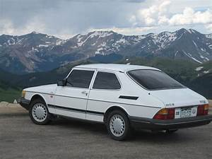 1990 Saab 900 - Pictures