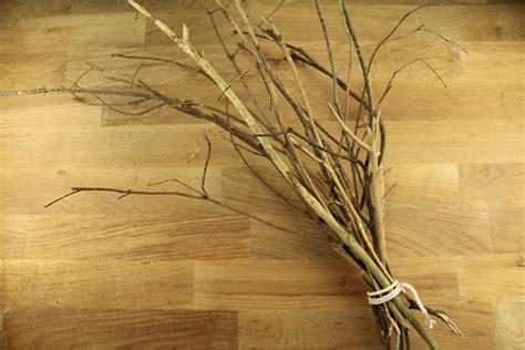 tuto un joli d 233 cor avec des branches d arbre peintes