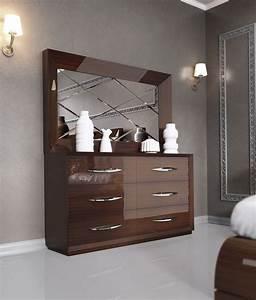 Carmen Walnut Modern Italian Bedroom Set