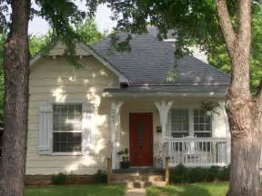 A Cottage House Pictures by Cozy Cottage Home Plans With Cottage Home Tiny