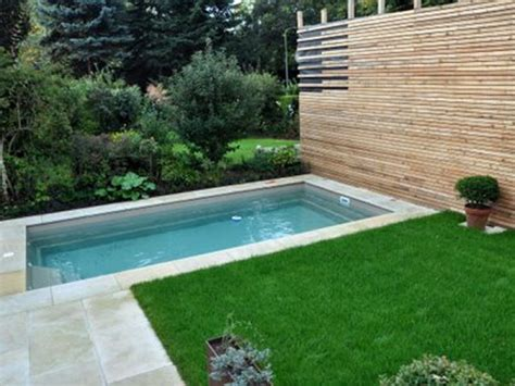 Kleine Pools Für Kleine Gärten by Pool In Kleinem Garten