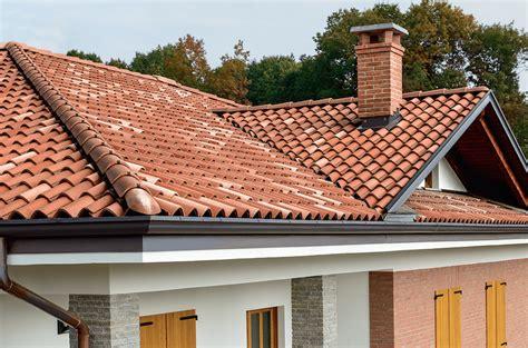 tetto a padiglione in legno sentono strani rumori dal tetto la scoperta 232