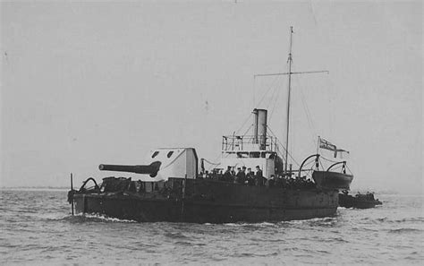 royal navy ships  world war  based  british warships