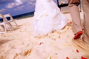 Wedding trend tuesday flower petals omaha wedding for Omaha wedding photographers