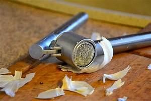 Wann Erntet Man Knoblauch : knoblauch pressen oder schneiden wiressengesund ~ Lizthompson.info Haus und Dekorationen